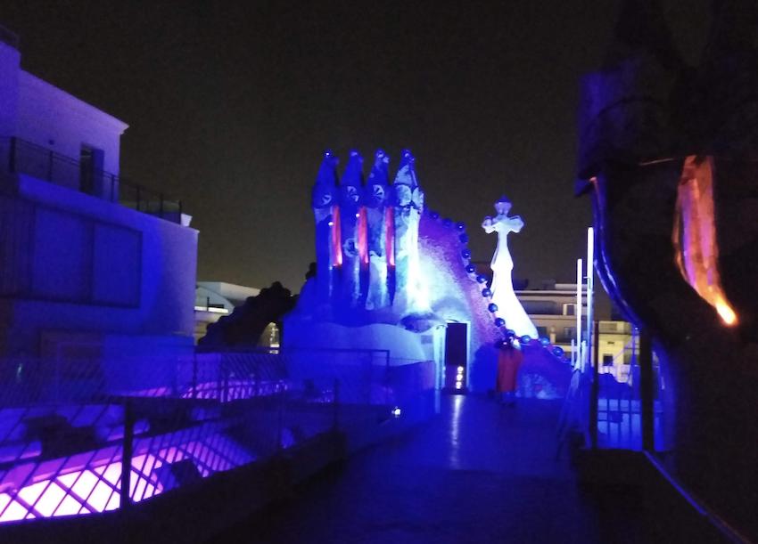 Casa Battlo – De noche